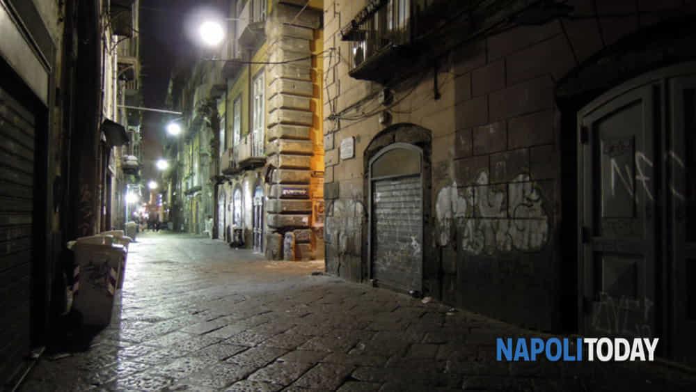 ghost tour: con i cacciatori di fantasmi in un percorso notturno, tra i luoghi più infestati del centro antico di napoli.-2