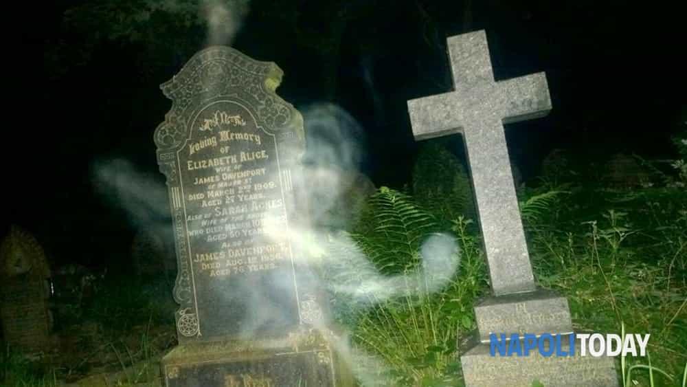 ghost tour: con i cacciatori di fantasmi in un percorso notturno, tra i luoghi più infestati del centro antico di napoli.-5
