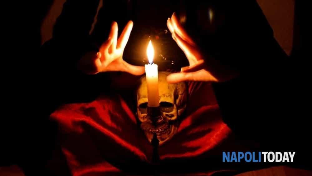 le notti delle streghe: nell'oscurità della sera il tour guidato alla scoperta del volto nascosto di una napoli magica e stregata.-10