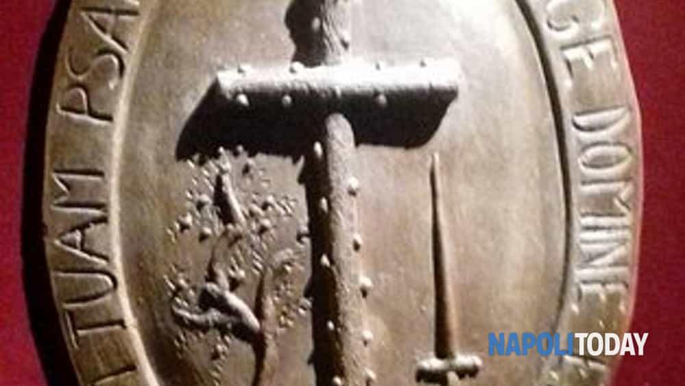 streghe a napoli: strumenti di tortura, roghi, persecuzioni e malefici.-5