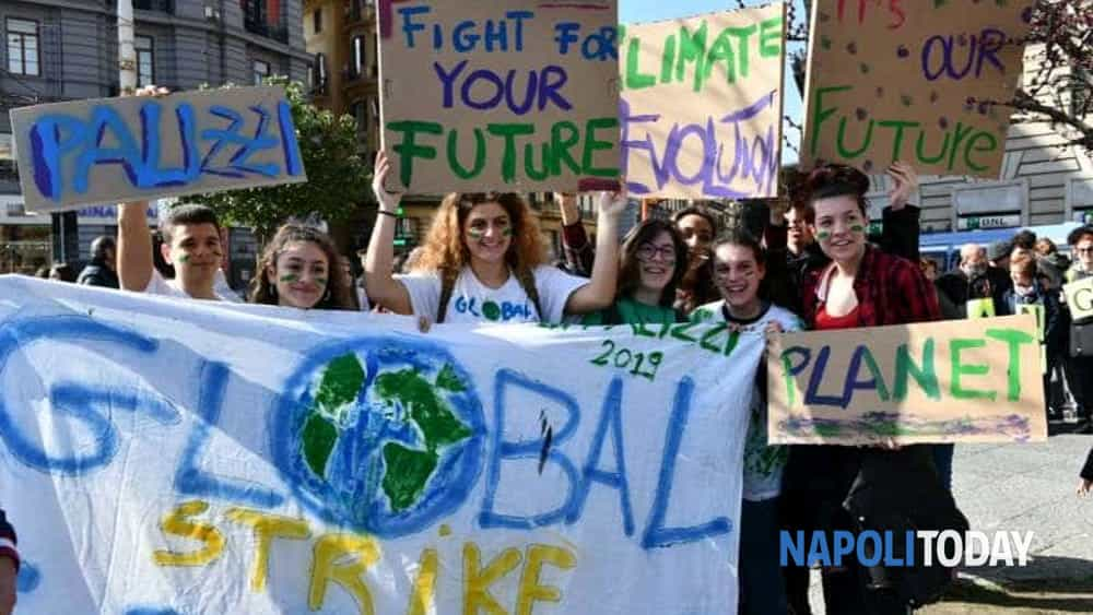 Sciopero Globale Per Il Clima La Manifestazione A Napoli