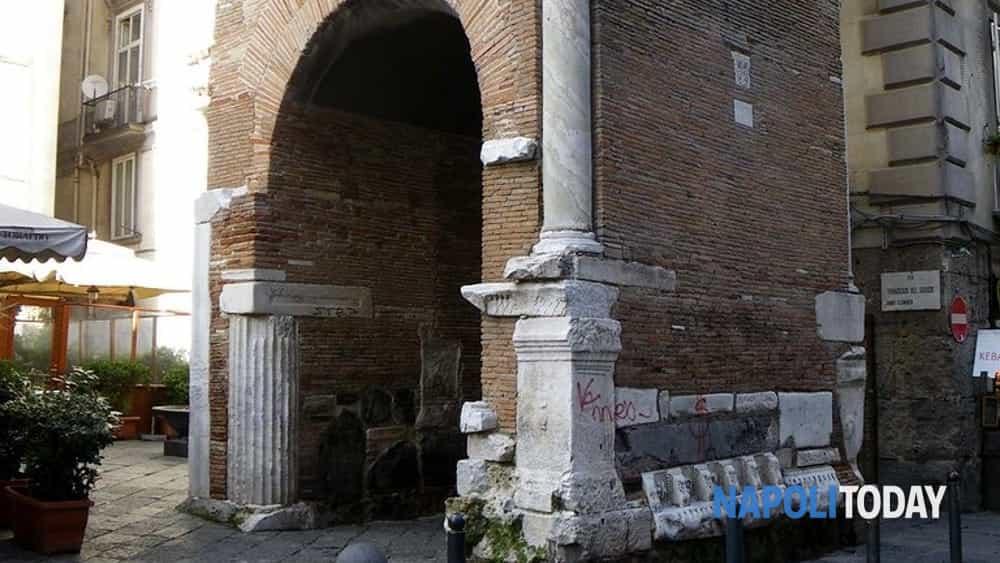 napoli esoterica: viaggio nei misteri velati del centro antico, tra demoni e maestri alchemici-6