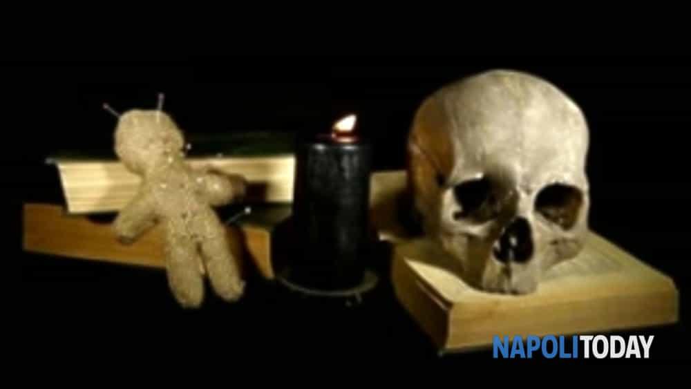 le notti delle streghe: nell'oscurità della sera il tour guidato alla scoperta del volto nascosto di una napoli magica e stregata.-9