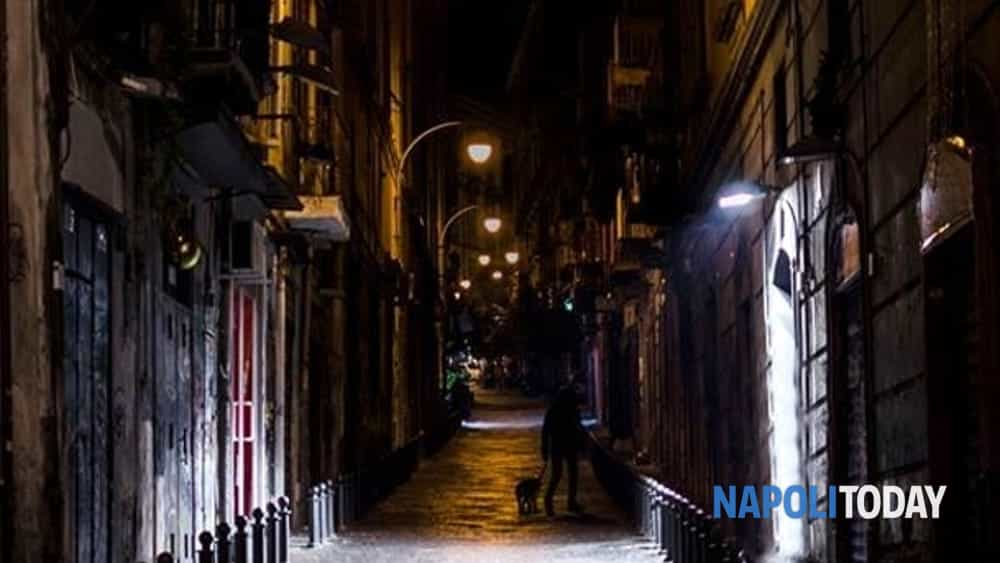 ghost tour: con i cacciatori di fantasmi in un percorso notturno, tra i luoghi più infestati del centro antico di napoli.-3