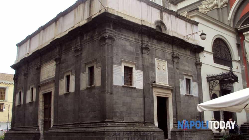 cappella sansevero tour: i misteri del principe immortale e le lapidi alchemiche di cappella pontano.-8