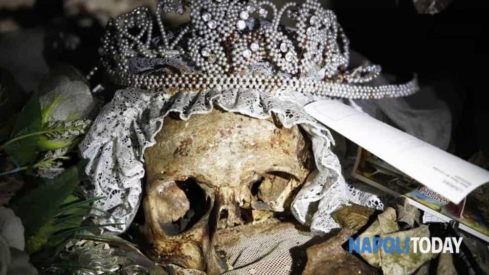 napoli esoterica: tour nel ventre oscuro di napoli nei luoghi del mistero tra alchemici e demoni.-2