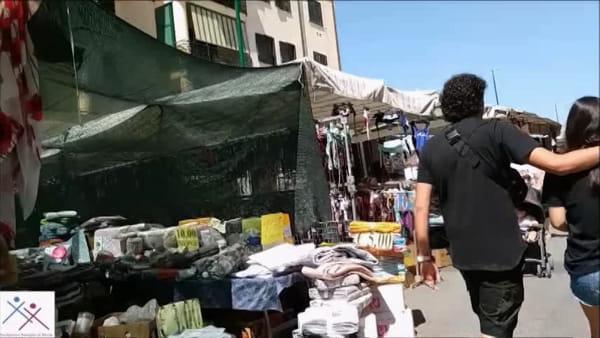Costume troppo sexy, schiaffi alla fidanzata: La reazione dei passanti|VIDEO
