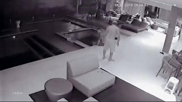 Allan cade prima di lanciarsi in piscina: la moglie pubblica il video
