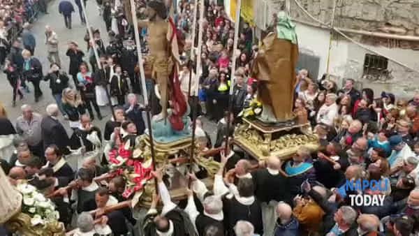 Antignano in festa per la tradizionale processione di Pasqua | FOTO e VIDEO
