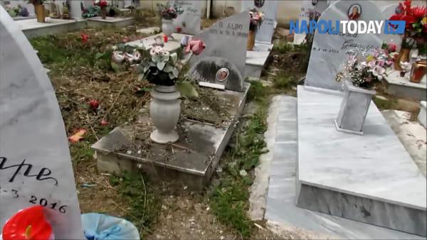 Cimitero Secondigliano, la riqualificazione è un flop