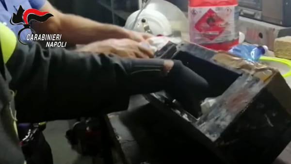Armi pronte all'uso nascoste in una cassaforte: la scoperta dei Carabinieri a Scampia | VIDEO