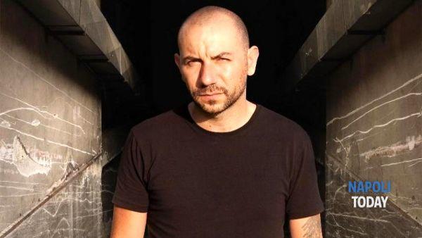"""Il rapper Lucariello contro De Luca: """"Non ci fai più ridere"""". E si candida con i 5 Stelle"""