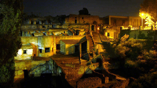 Campania by Night - Archeologia sotto le stelle (Pompei)