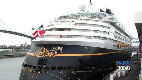 La nave da crociera Disney Magic