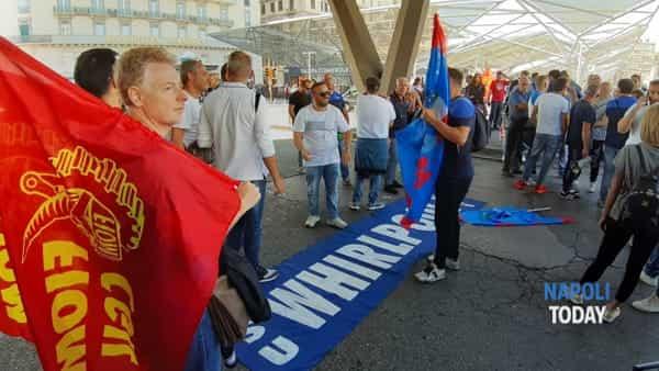 manifestazione piazza garibaldi whirlpool (2)-2