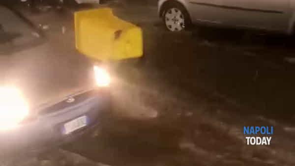 Torre Annunziata, bomba d'acqua: traffico paralizzato (VIDEO)