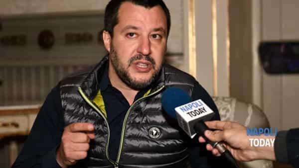 """Salvini difende Giordano, Sorrentino: """"Finito il lockdown fa uscire il razzismo..."""""""