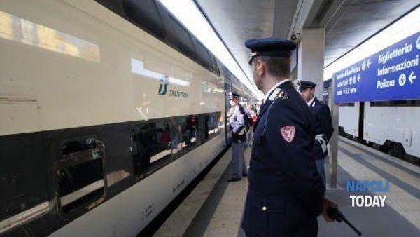 Rapine a bordo di treni sulla tratta Napoli-Salerno: arrestato