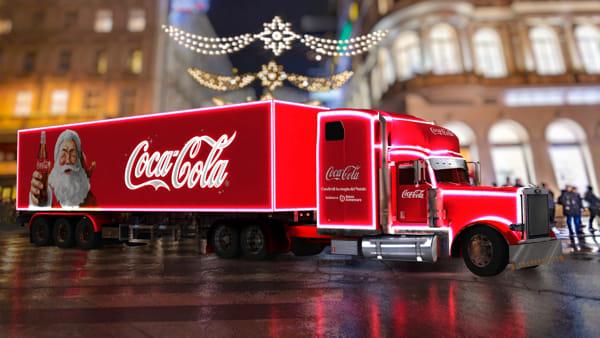 Tappa a Napoli per il Coca-Cola Christmas Village in sostegno di Banco Alimentare