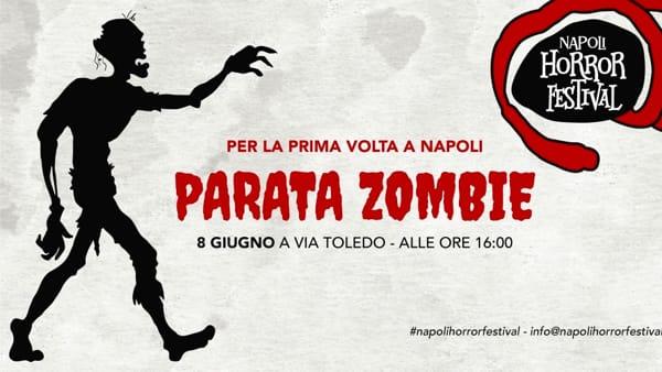 Gli zombie invadono Napoli: parata horror per le strade della città