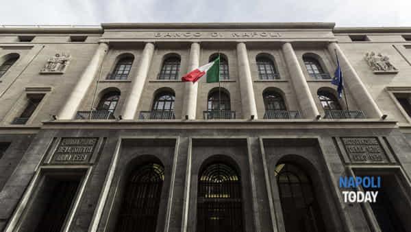 Palazzo Piacentini Piu Noto Come Palazzo Del Banco Di Napoli