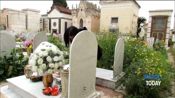 Lo scempio nel cimitero di Secondigliano (VIDEO)