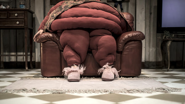 """""""La donna più grassa del mondo"""" in scena al Nuovo Teatro Sanità"""