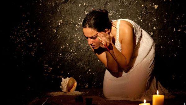 """""""Io sono Medea"""" di e con Laura Pagliara"""