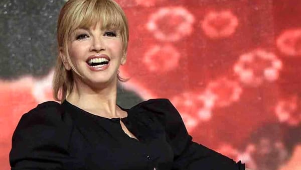"Milly Carlucci e ""Ballando on the Road"", tappa a Napoli in cerca di talenti"