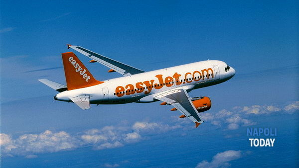 Easyjet assume 100 assistenti di volo