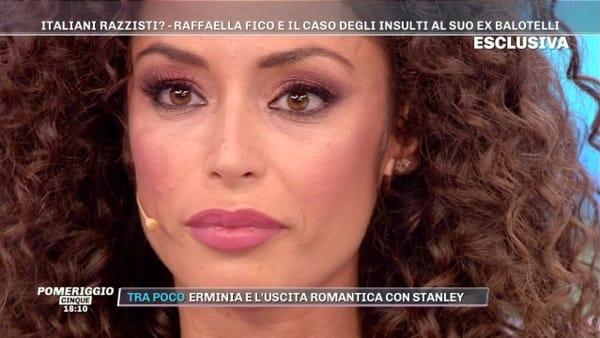 Raffaella Fico e le frasi shock alla figlia Pia in classe: il racconto | VIDEO