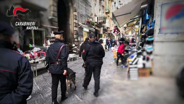 Blitz dei Carabinieri nei mercati del Centro Storico: denunce e sanzioni