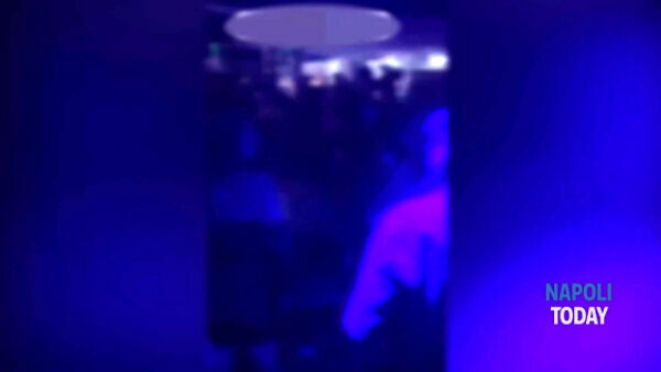 Movida folle a Napoli: discoteche, assembramenti e zero mascherine|VIDEO