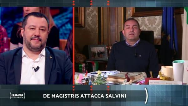 """Il videomessaggio di de Magistris a Salvini: """"A presto rivederci, magari in mezzo al Mar Mediterraneo"""""""