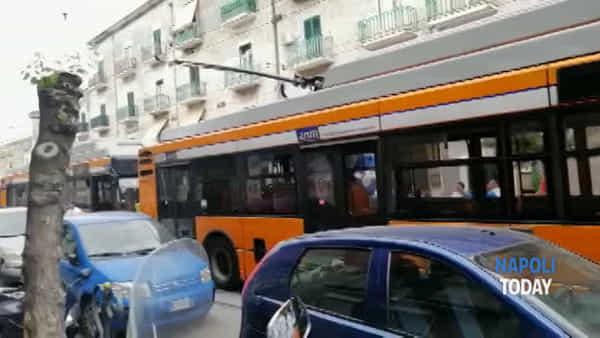 Autobus bloccati dalla processione religiosa, il disagio degli autisti Anm