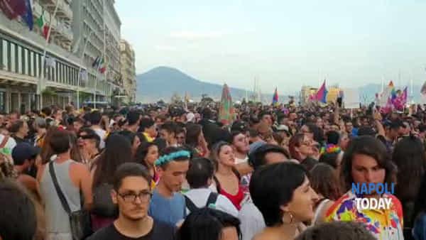 Pride Napoli 2019, la festa a ritmo di musica sul Lungomare | VIDEO