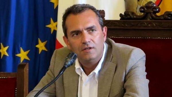 """Bilancio approvato, de Magistris: """"Pronte 359 nuove assunzioni"""""""