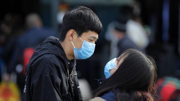 """Coronavirus, de Magistris: """"Allarme non diventi caccia al cinese"""""""