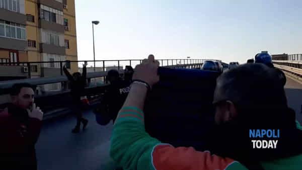 Whirlpool, operai forzano blocco polizia e occupano l'Autostrada
