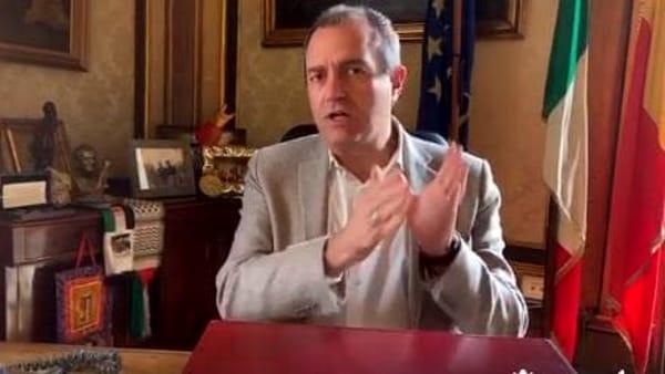 """De Magistris: """"Ecco le tre misure per fronteggiare l'emergenza economico-sociale in città"""""""