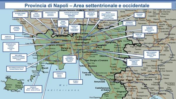 Quartieri Di Napoli Cartina.La Mappa Della Camorra In Provincia Di Napoli Tutti I Clan