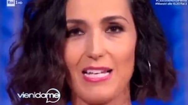 Caterina Balivo lascia per un po' la tv: la sua commozione in diretta