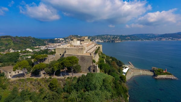 """Napoli Teatro Festival, al Castello di Baia in scena """"Terra - un'installazione teatrale"""""""
