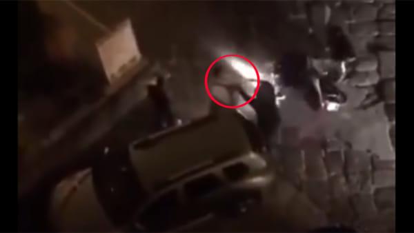 Festa Coppa Italia, diventa virale il video di un ragazzo rapinato del suo scooter