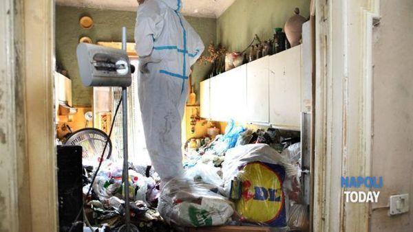 Madre e figlio trovati in appartamento tra i rifiuti via ...