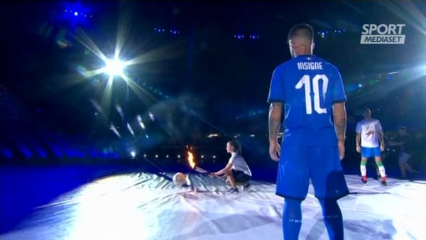 Universiadi, lo spettacolare momento dell'accensione del braciere con Insigne | VIDEO