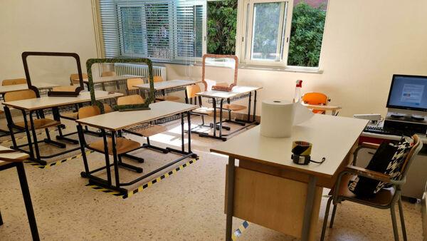 Istituto cancella seconda classe: studenti costretti a cambiare scuola