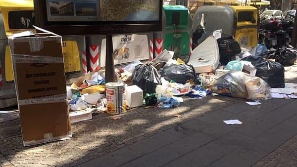 Vomero, via Luca Giordano, immondizia-3