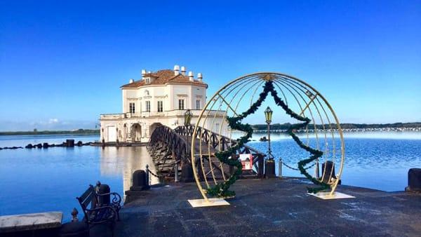 Natale al Parco Vanvitelliano del Fusaro: luci d'artista al Real Sito Borbonico