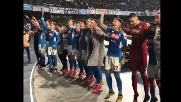 """Il Napoli: """"Appuntamento alle 19.45, si canta 'Un giorno all'improvviso' al balcone"""""""